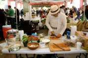 Preparing winning garlic tomato recipe